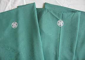 成人式宅配レンタル紋付 緑色レトロな長場織紋付羽織袴生地のアップ