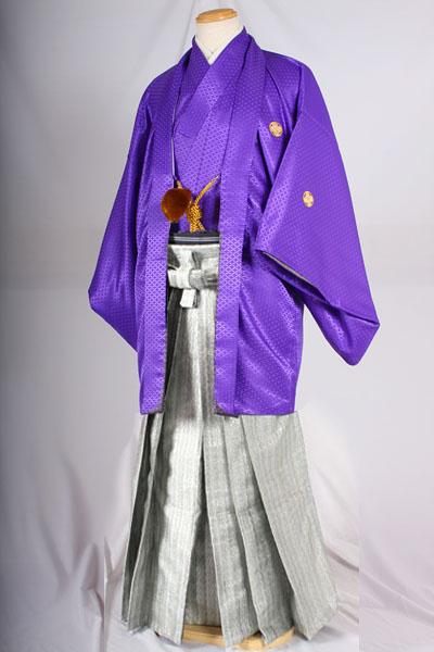 オプション袴ダイヤメタルシルバー柄と紫無地紋付着用画像成人式レンタル紋付袴