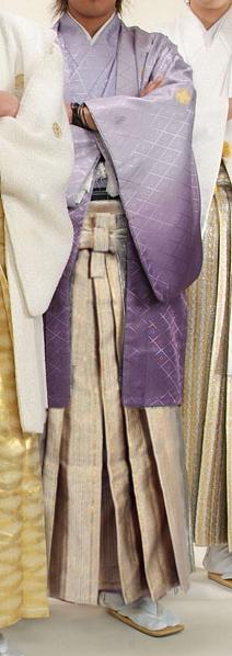 MAN-HC21ゴールドチェーン柄袴レンタル紋付成人式用貸衣装藤色グラデーション着姿