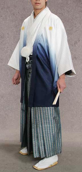 MAN-HD15メタリックブルーダイヤ柄レンタル紋付成人式用貸衣装白/紺グラデーション着姿