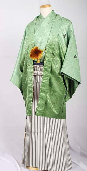 MAN-HS02黒白銀縞袴袴レンタル紋付成人式用貸衣装若草色緑グラデーション着姿